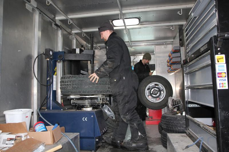 Mobile Tire Service >> Express Mobile Tire & Roadside Assistance - Home